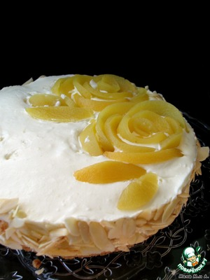 Remove the ring, gently slide a knife around the rim. You can sprinkle almond petals.