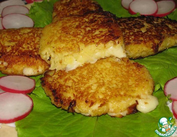 Рецепт: Моцарелла в картофельно-яблочной корочке