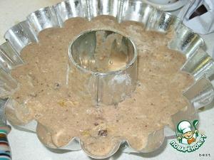 Вылить тесто в форму (оно получается довольно жидким) и печь при температуре 180 град. около 30-40 минут.