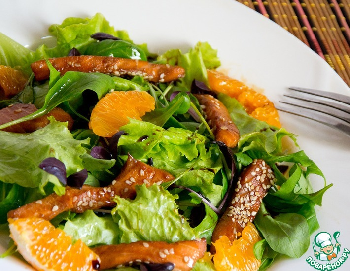 Рецепт: Теплый салат с семгой