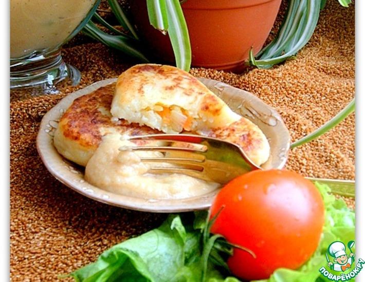 Рецепт: Картофельные пирожки под чечевичным соусом