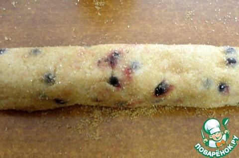 Постное печенье с черной смородиной