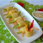 Закуска с креветками, авокадо и манго