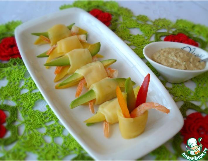 Рецепт: Закуска с креветками, авокадо и манго