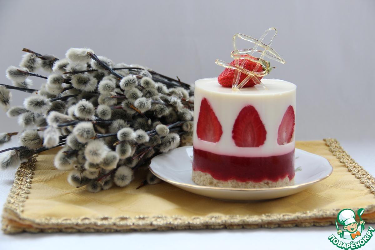 Клубнично-кокосовый десерт с карамелью
