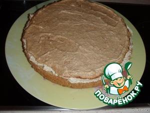 Put the cake layer meringue