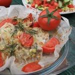 Запеченная рыба с сальсой из овощей