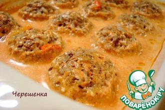 Рецепт: Тефтели с грибами в томатно-сметанном соусе