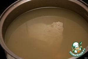 Варим 1,5-2ч (если есть время, можно дольше) в большом количестве воды, добавляя по вкусу соль и специи.