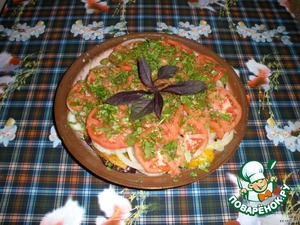 The last layer spread the tomato, sprinkle them with greens, a little salt.Further, all the dish pour the remaining sauce.The finished dish can be removed for 30 minutes in the fridge, but can be eaten warm, the taste is not worse.