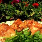 Курица, запеченная с курагой, изюмом и кешью