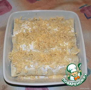 Посыпаем сверху остатками сыра.