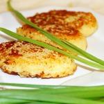 Картофельные зразы с селедкой и луком
