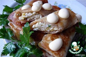 Начинка:   3 яйца отварить, измельчить, добавить 2 ст. л. майонеза, зелень, соль, перец.    Выкладывать по 1 ст. л начинки в готовые блинчики завернуть конвертом и обжарить.    Есть со сметаной.    Очень вкусно!Очень!