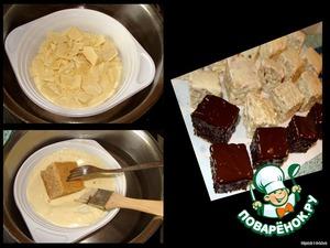 На водяной бане растапливаем белый и темный шоколад (забыла сфотографировать темный), накалываем кубик на вилку и погружаем в шоколад. Боковинки обмазываем кисточкой.   И оставляем на пару часов до полного застывания шоколада.