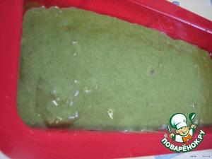 Выкладываем в форму для кексов и выпекаем в разогретой до 180°C духовке около 45 минут.