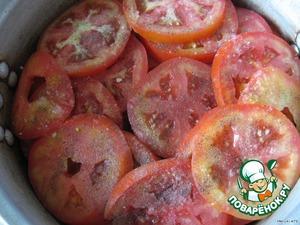 помидор кружками, солим перчим