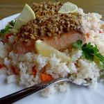 Лосось в ореховой корочке с рисом и овощами в мультиварке (пароварке)