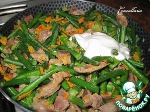 Куриные желудки, тушенные со стручковой фасолью – кулинарный рецепт
