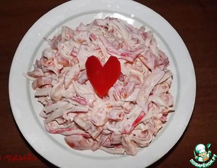 Рецепт: Салатик с крабовыми палочками