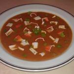 Томатный суп-пюре с крабовой стружкой