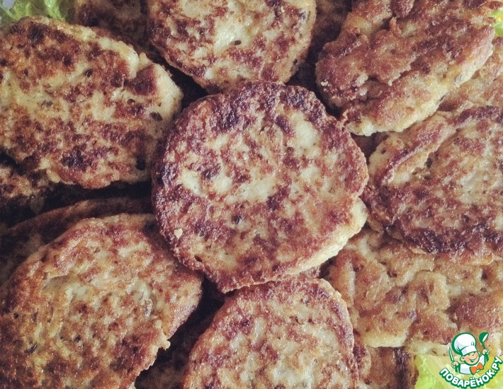 Рецепт: Хлебные апулийские оладьи с каперсами и сельдереем