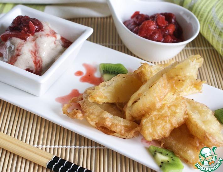 Рецепт: Сладкая тэмпура из фруктов с клубничным соусом