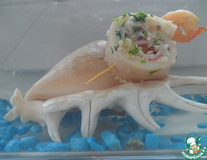 Рецепт: Канапе из кальмаров с крабовыми палочками