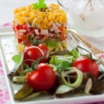 Салат из овощей и крабовых палочек