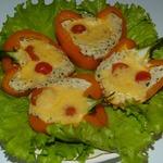 Запеченный перец, фаршированный моцареллой и крабовыми палочками