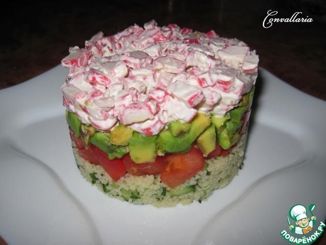 Салат в авокадо с крабовыми палочками