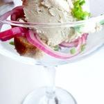 Мороженое из сельди с крабовой крошкой