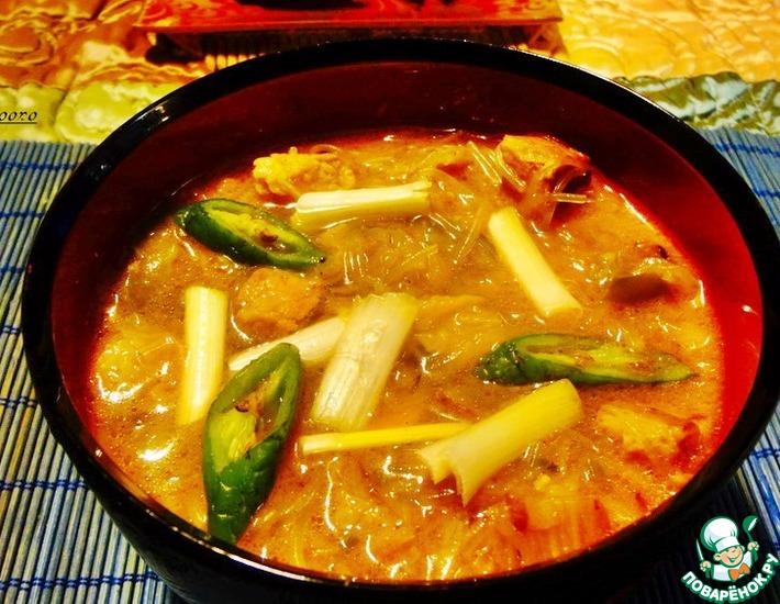 Рецепт: Острый суп из кимчхи со свининой