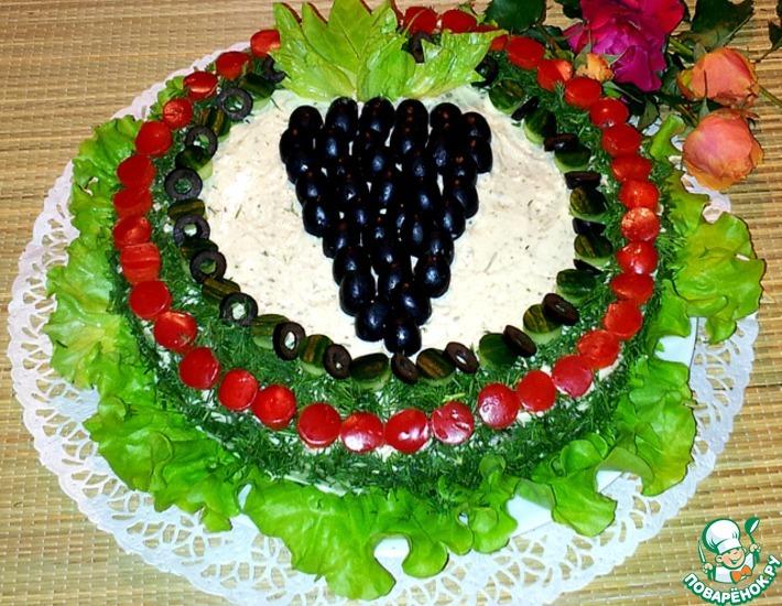 Рецепт: Закусочный торт с крабовыми палочками и креветками