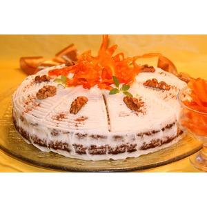Ароматный морковный торт