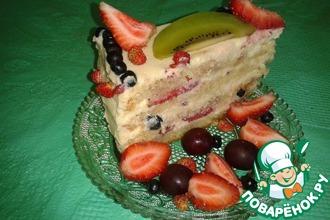 Рецепт: Бисквитный торт с ягодами