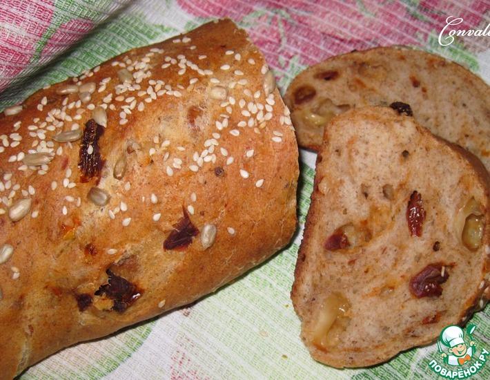 Рецепт: Ржаной батон с сыром и вялеными томатами