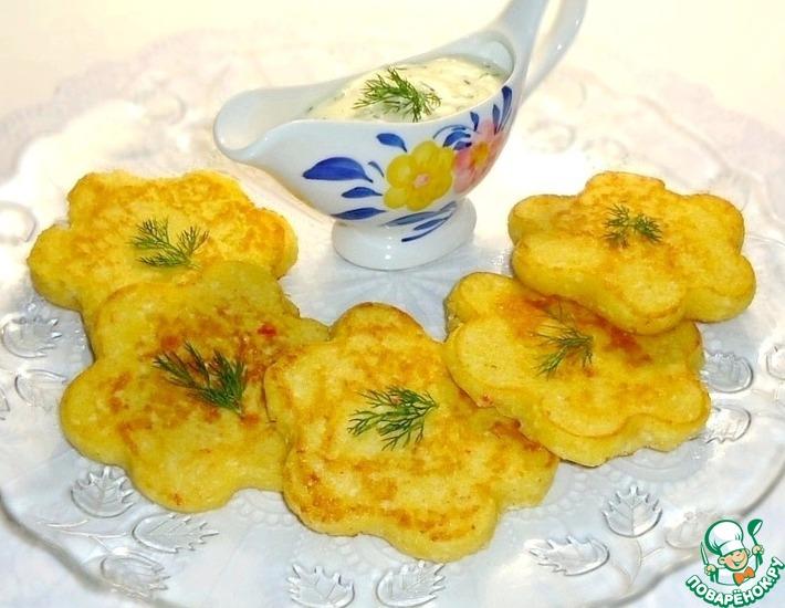 Рецепт: Кукурузные оладьи с крабовыми палочками + сырный соус