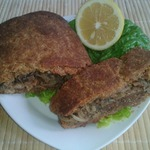 Хлебец закусочный с луком и оливками