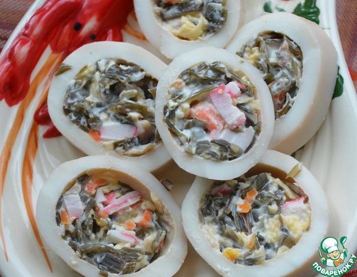 Рецепт: Кальмары, фаршированные морской капустой