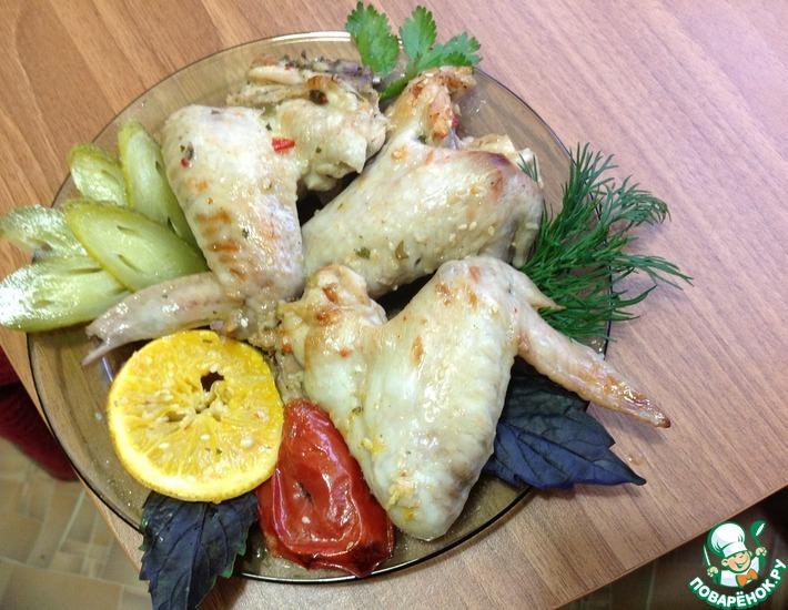 Рецепт: Куриные крылья в сладко-кислом соусе Графские