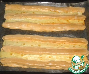 Австрийский бисквитный десерт с брусничным соусом