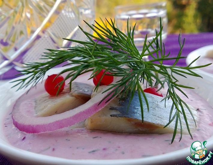 Рецепт: Селедочка с брусничным соусом