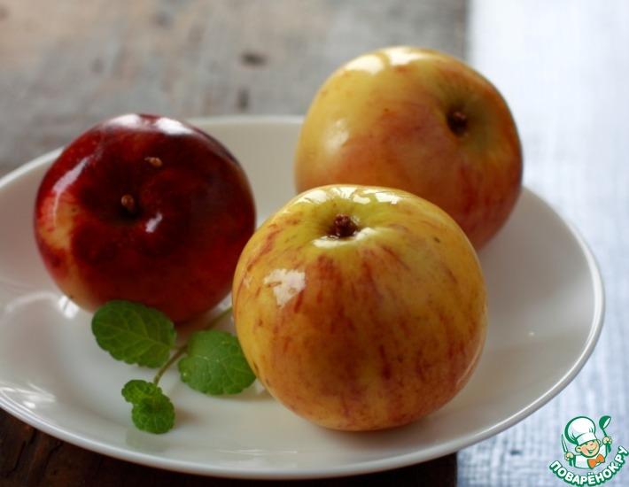 Рецепт: Моченые яблоки с корицей, чабрецом и мятой