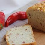 Хлеб с сыром и беконом