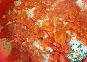 Сверху кладем томаты.