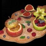 Печеные яблоки с сухофруктами и кедровыми орешками