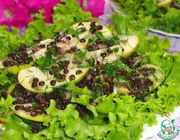 Рецепт: Салат из чечевицы с зеленым яблоком