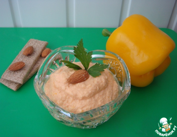 Рецепт: Паштет из миндаля с томатами и паприкой