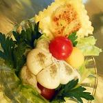 Салат с тыквой и равиоли